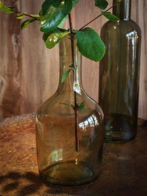 glasflaske lavet af genbrugsglas