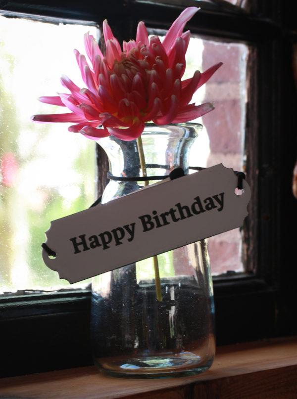 blikskilt-happy-birthday