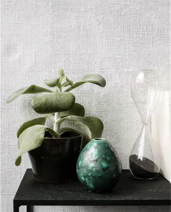 Mini vase House Doctor er en god lille størrelse til en lille buket blomster. Den har en god facon og pynter faktisk også sig selv